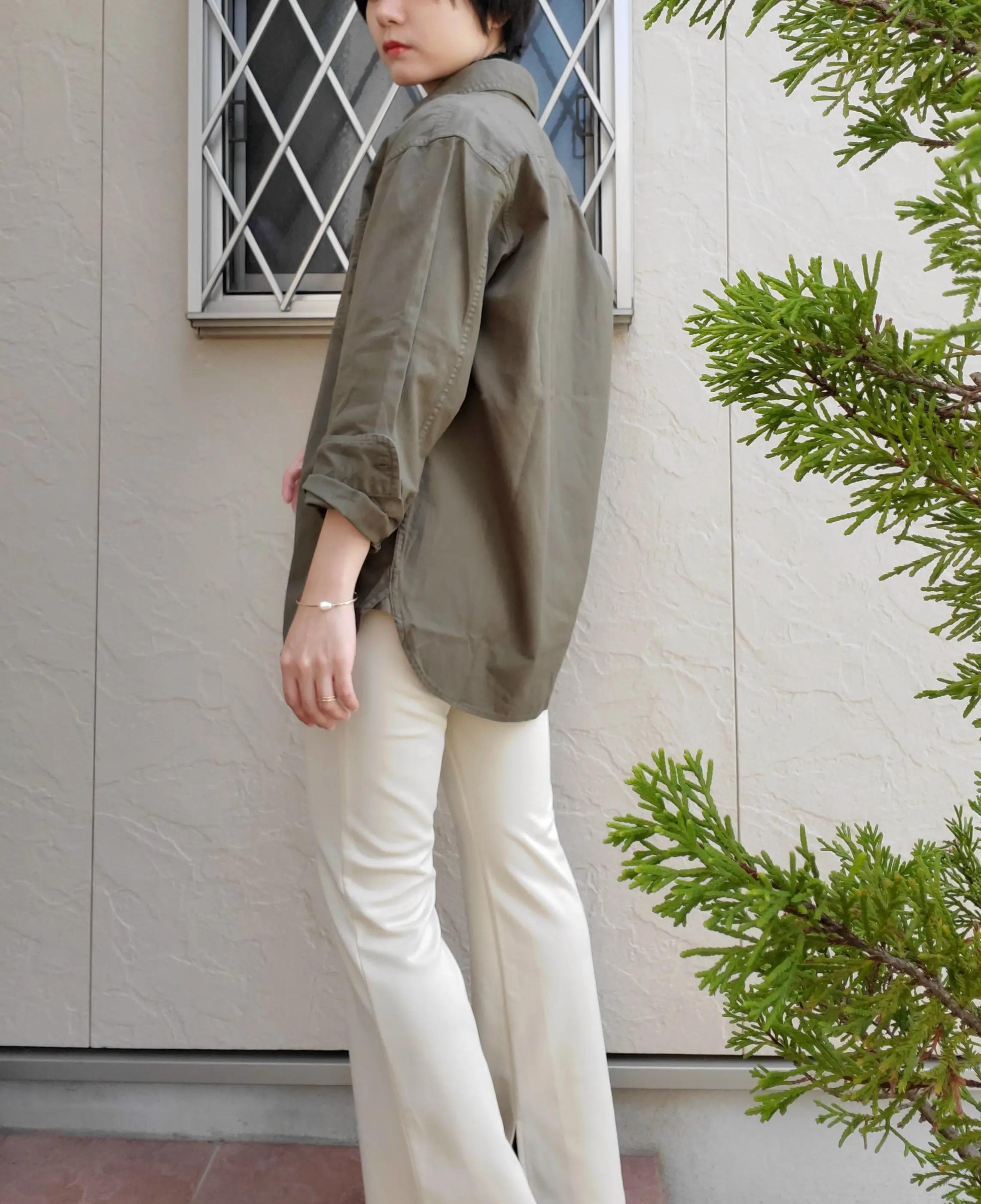 『ハニーズ』のフレア裾スリットパンツ