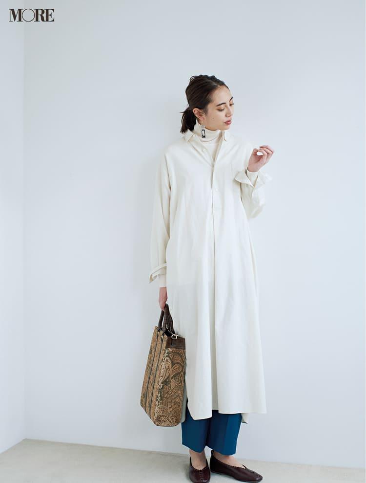 白ニットコーデ【2020冬〜春】- 着膨れしない細見えテクニックなど、白い服の最旬レディースコーディネートまとめ_32