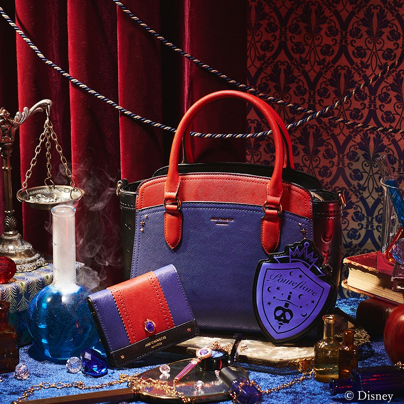 ポムフィオーレ寮をイメージしたハンドバッグ、ミニ財布、チャームの写真