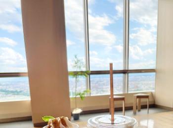 地上32階にある街を一望できるカフェ!
