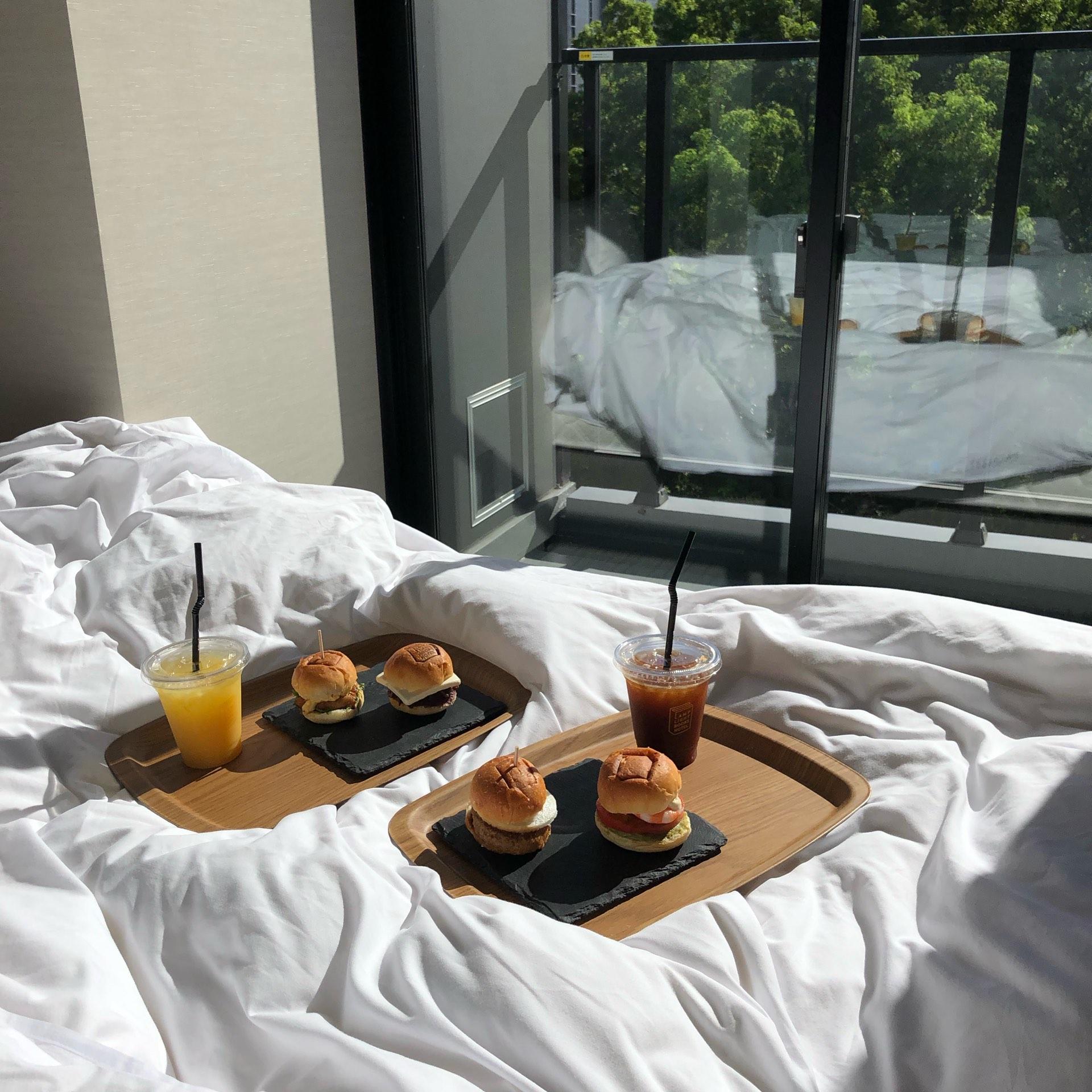 ホテル朝食ミニバーガー写真
