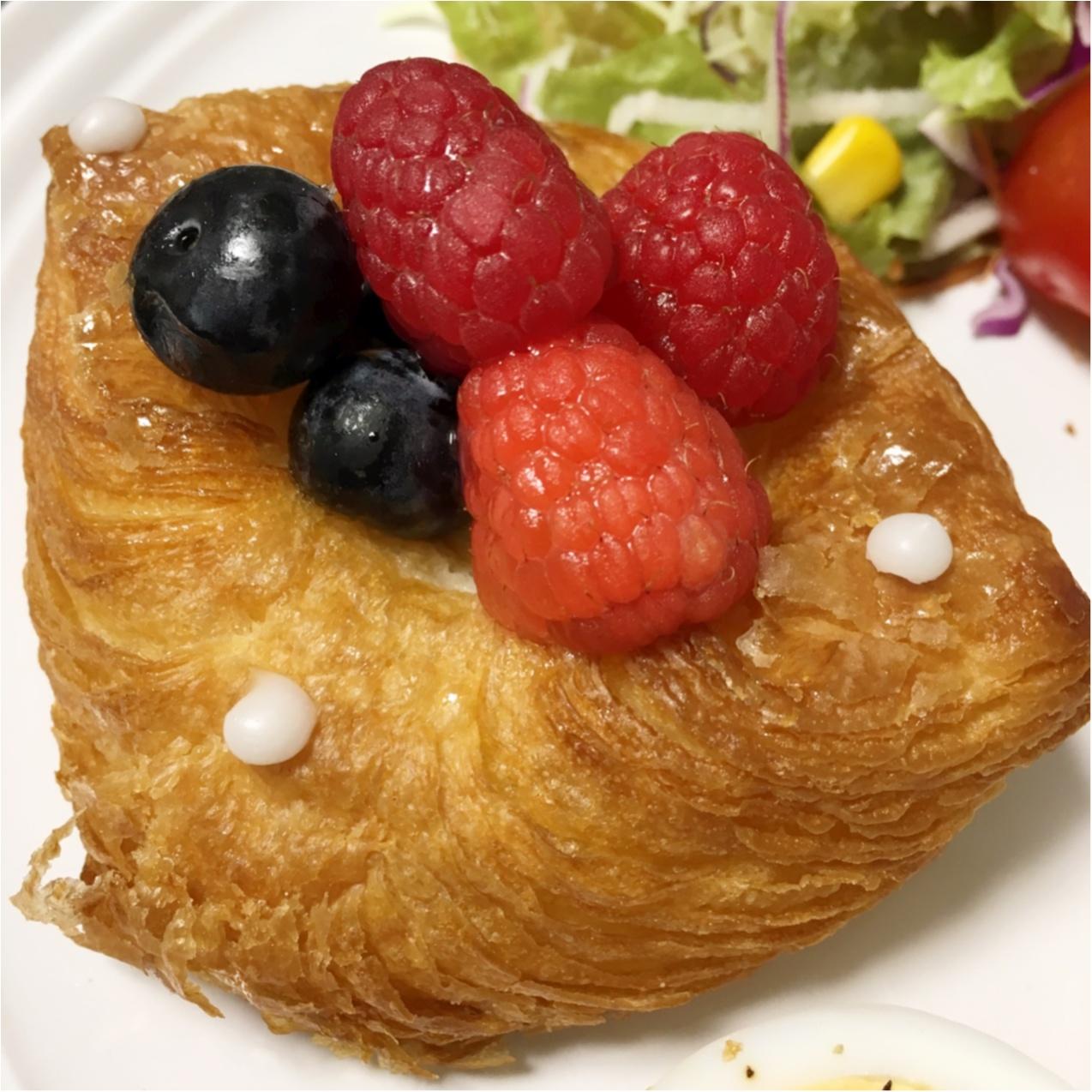 気分があがるモーニングは、美味しいパンから ♡_2