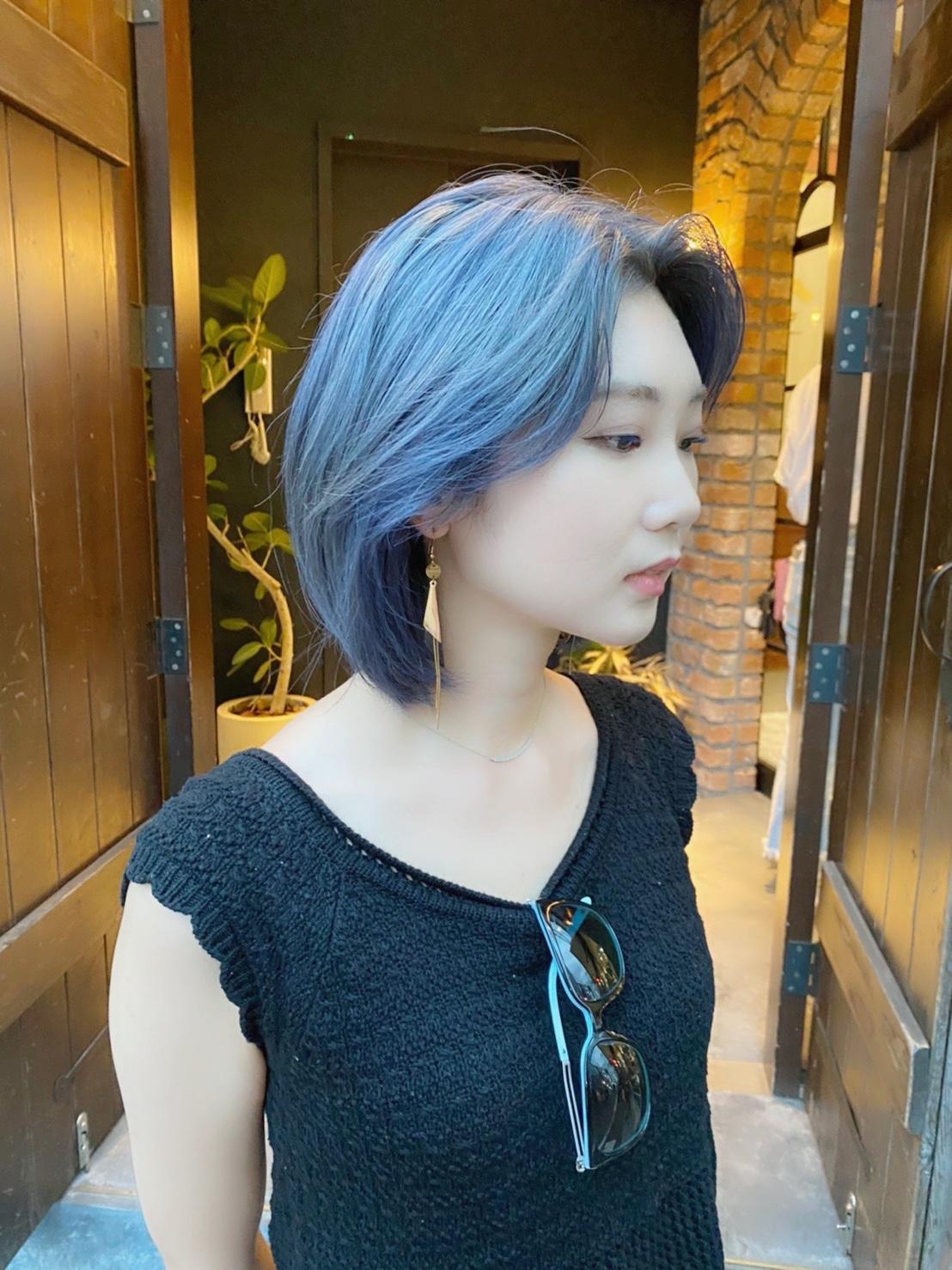 青髪 派手髪 透明感カラー ブリーチ 美容室