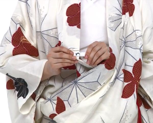 【わかりやすい動画付き】浴衣のセルフ着付け・帯の結び方 - 一人でできる! 女性の浴衣の着方は?_35