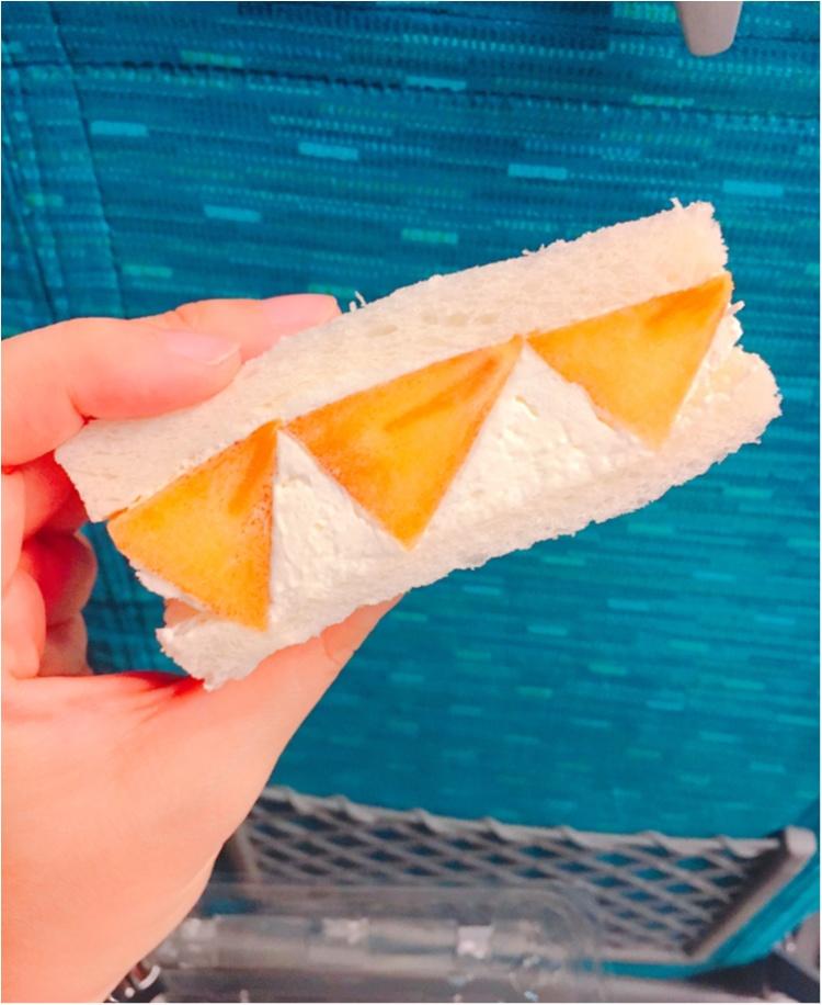 【出張グルメ】ジューシーなフルーツにふわっふわのクリームに癒される♡ 新大阪駅ナカで買える!『山口果物』の絶品フルーツサンド♡_4