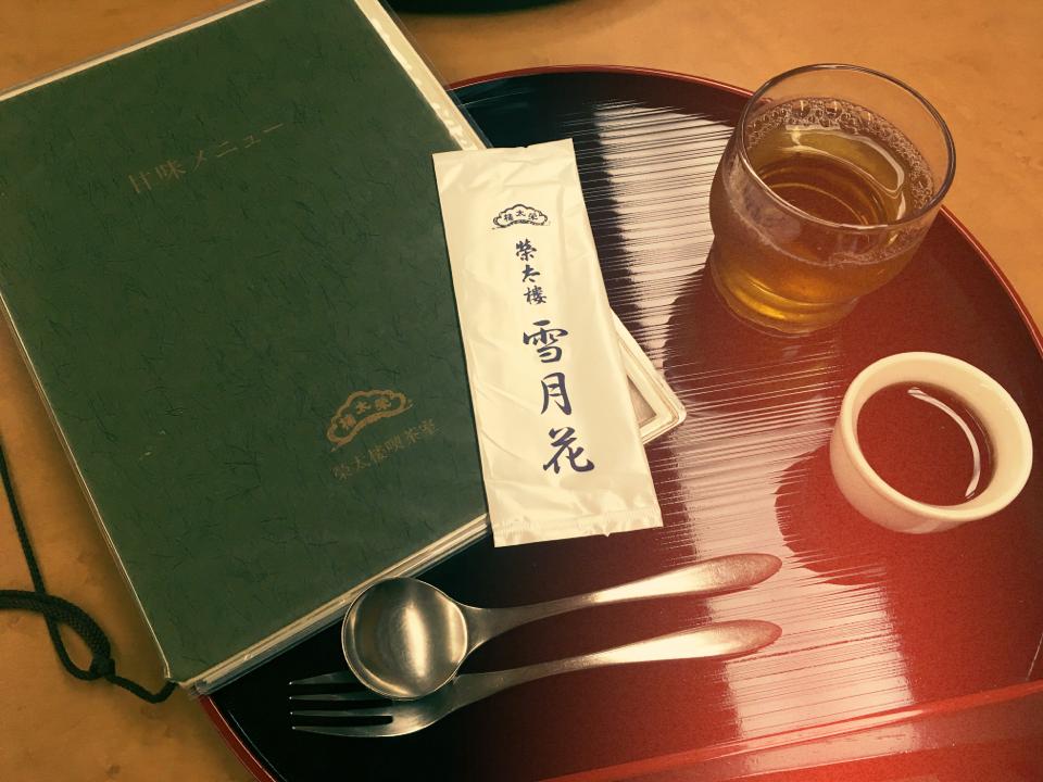 日本橋に行ったら食べたい。老舗の絶品クリームあんみつ_6