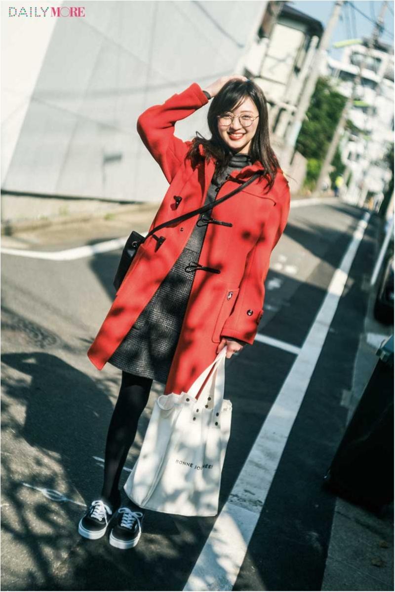 【今日のコーデ】赤のダッフルコートとカジュアルな小物で、スカートコーデを可愛くハズして♪_1