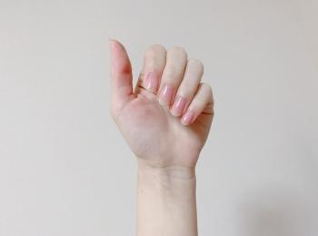 ナチュラルな美爪に。自爪を綺麗に見せる優秀アイテム!