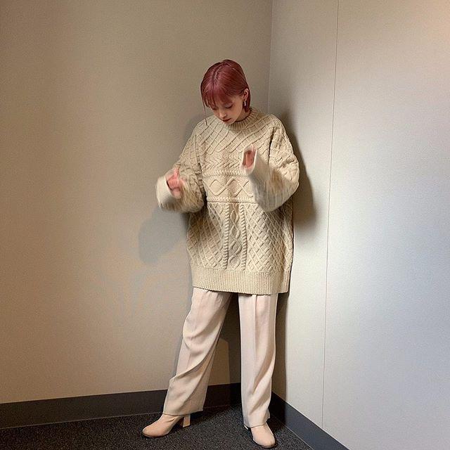 Premiumインフルエンサーズのインスタ拝見! 身長158cmの和田えりかさんが着る『select MOCA』の白ニットが可愛い♡_1