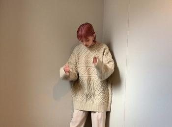 Premiumインフルエンサーズのインスタ拝見! 身長158cmの和田えりかさんが着る『select MOCA』の白ニットが可愛い♡