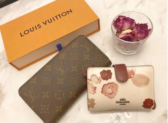 【20代女子の愛用財布まとめ】『ルイ・ヴィトン』愛用者が多かった! MOREインフルエンサーズの長財布や二つ折り財布など、注目アイテムを紹介_3
