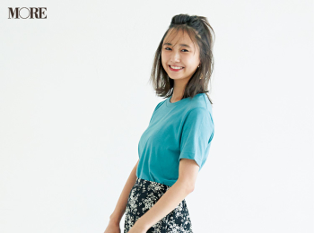 【今日のコーデ】<鈴木友菜>金夜は映画館デート♡きれい色のTシャツに花柄スカートで涼やかフェミニンに