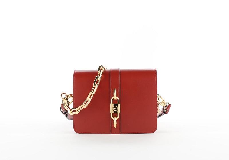 ルイ・ヴィトンの新作バッグ「ランデヴー」レッド