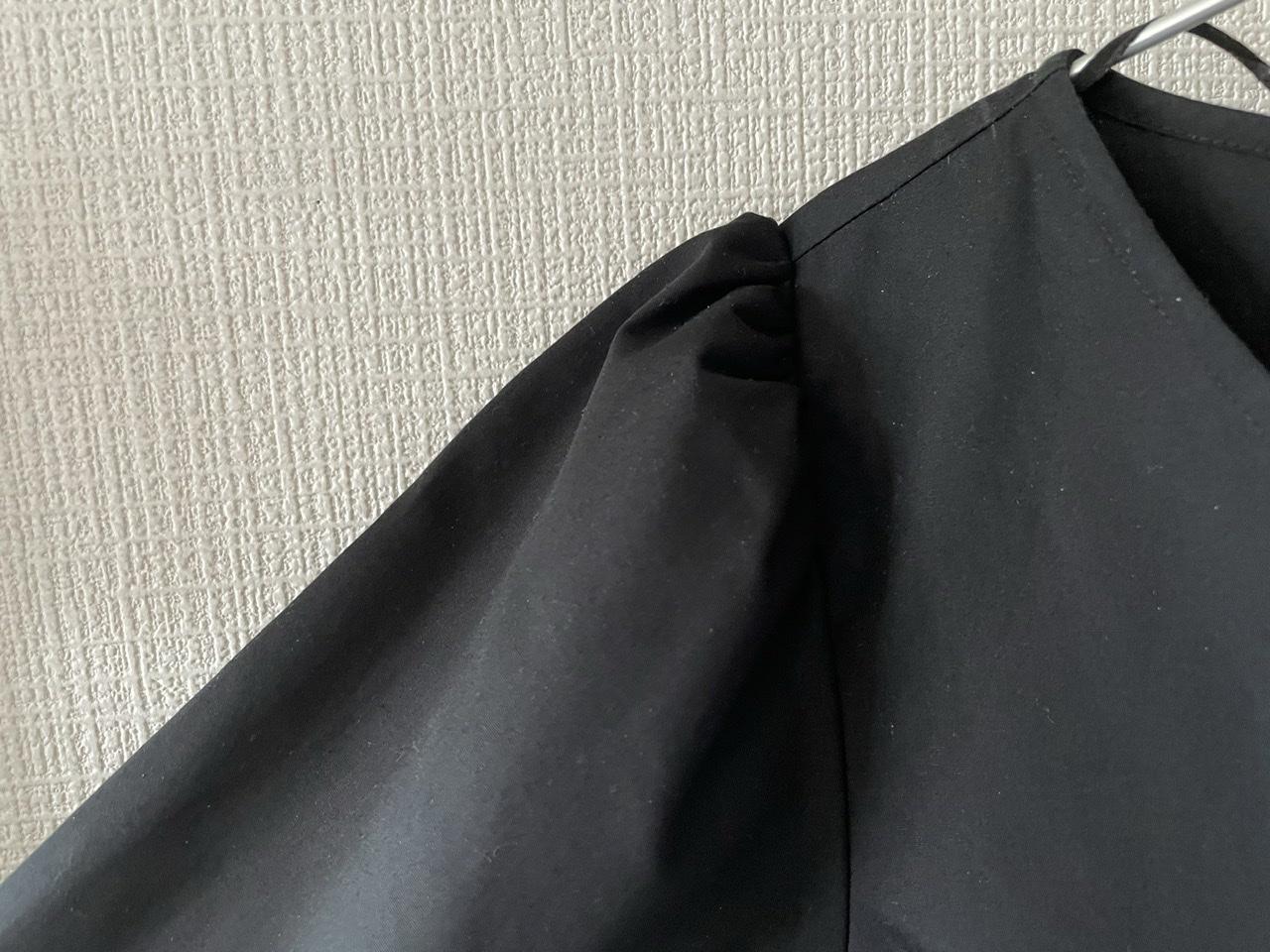 【GU】黒のティアードワンピで大人っぽ春コーデ_2