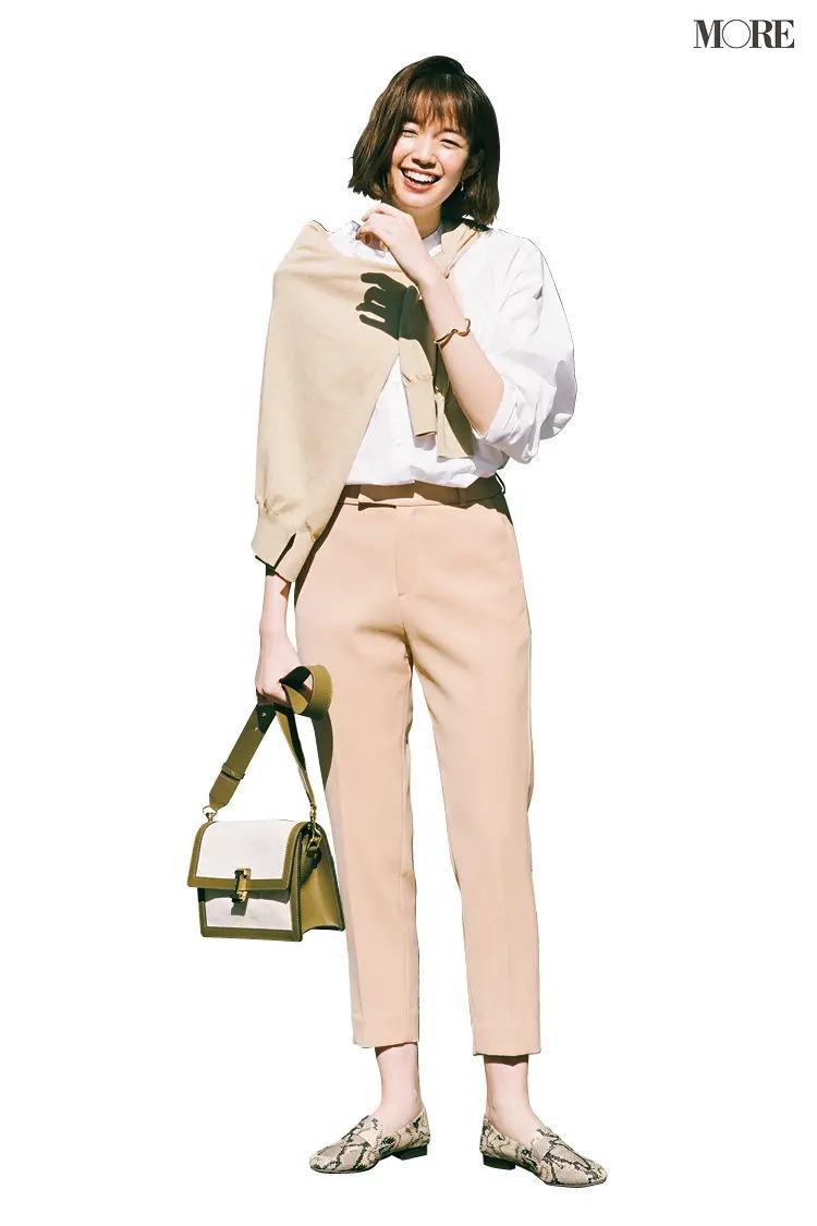 【春夏のローファーコーデ】フリル衿のシャツやゆる巻きカーデ、技あり小物でニュアンスたっぷりに