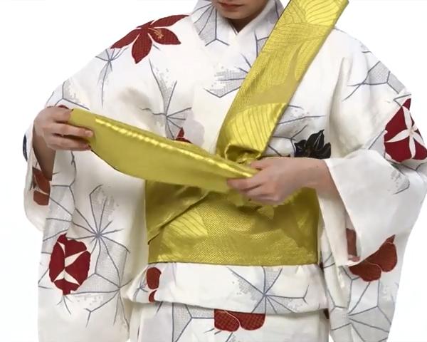 【わかりやすい動画付き】浴衣のセルフ着付け・帯の結び方 - 一人でできる! 女性の浴衣の着方は?_57