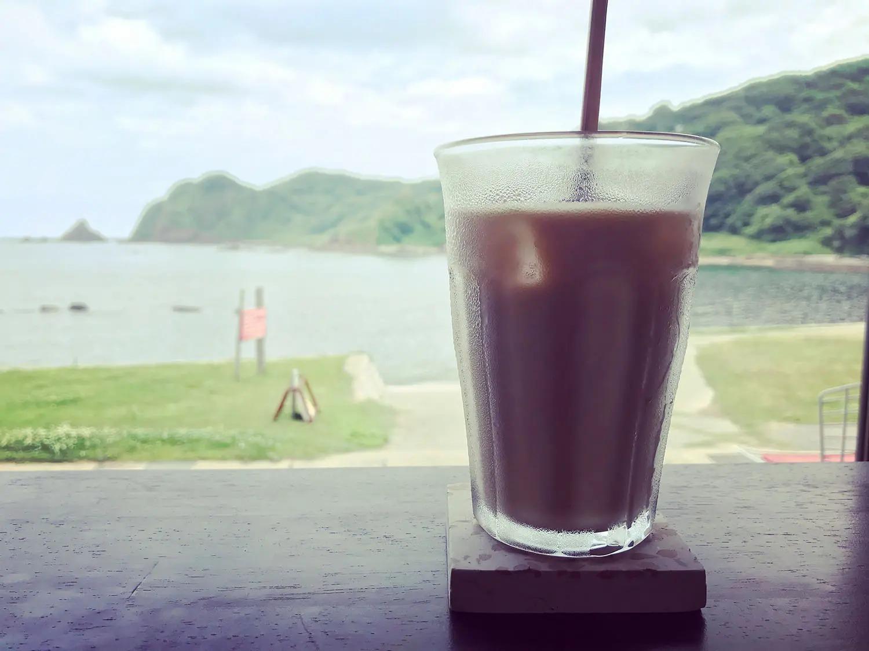 『カフェ コーブ』のカフェオレ