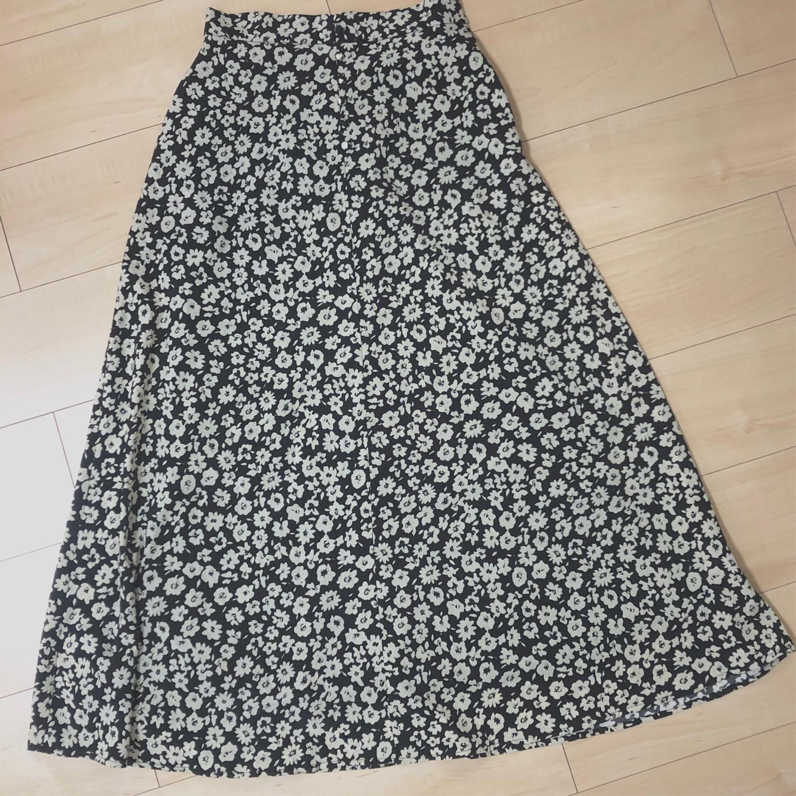 あのブランドの花柄スカートがSNSで可愛いと話題!!♡_3