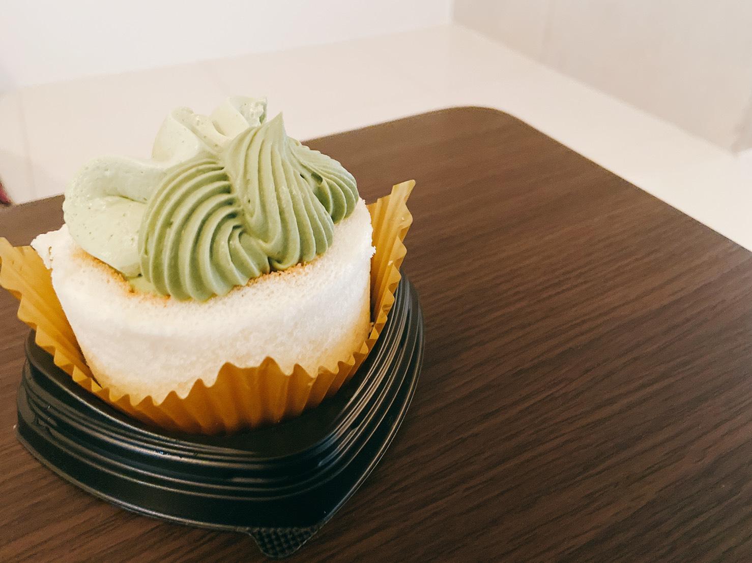 【新発売】ほぼ抹茶クリーム!?毎月6日はロールケーキの日!【食レポ】_9