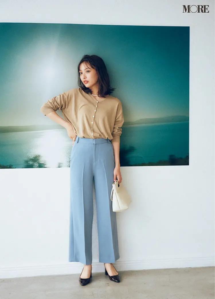 【秋冬カーディガンコーデ】一枚で着るカーデ×きれい色のセンタープレスパンツ