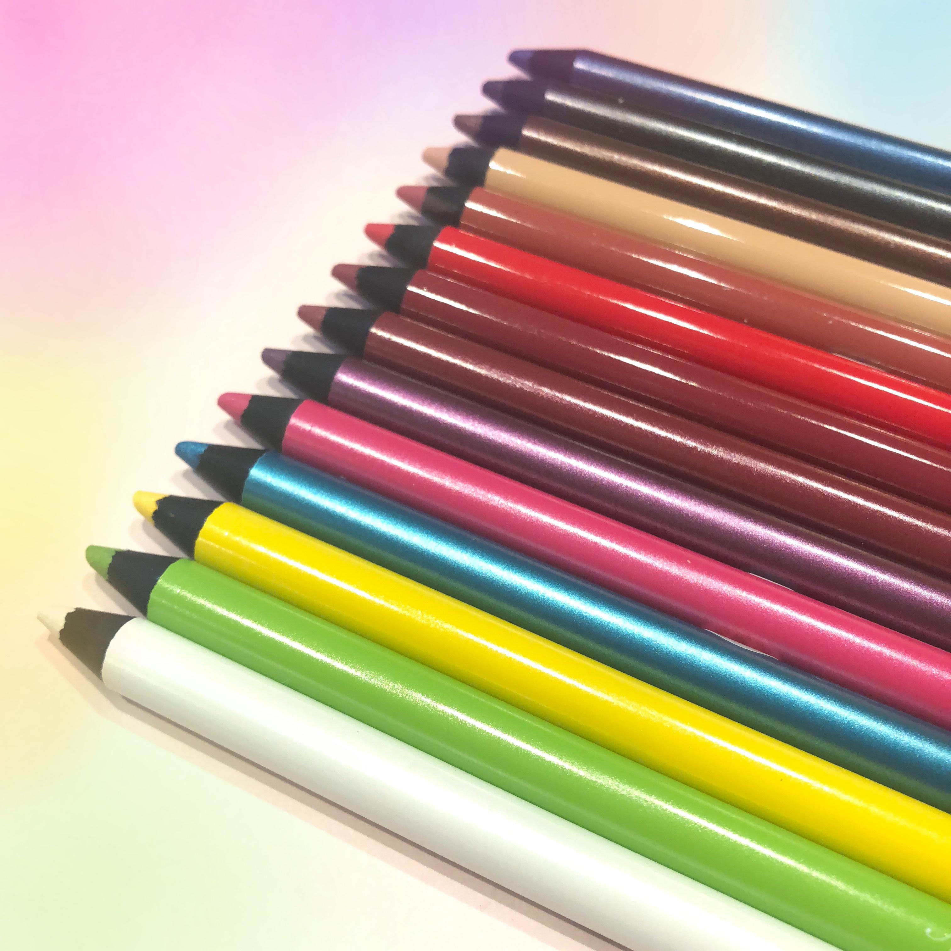 カラーメイクに挑戦したいならコレを選んで!『ヴィセ アヴァン』の新作カラーペンシル、ライターゆうりが激推し!!_1