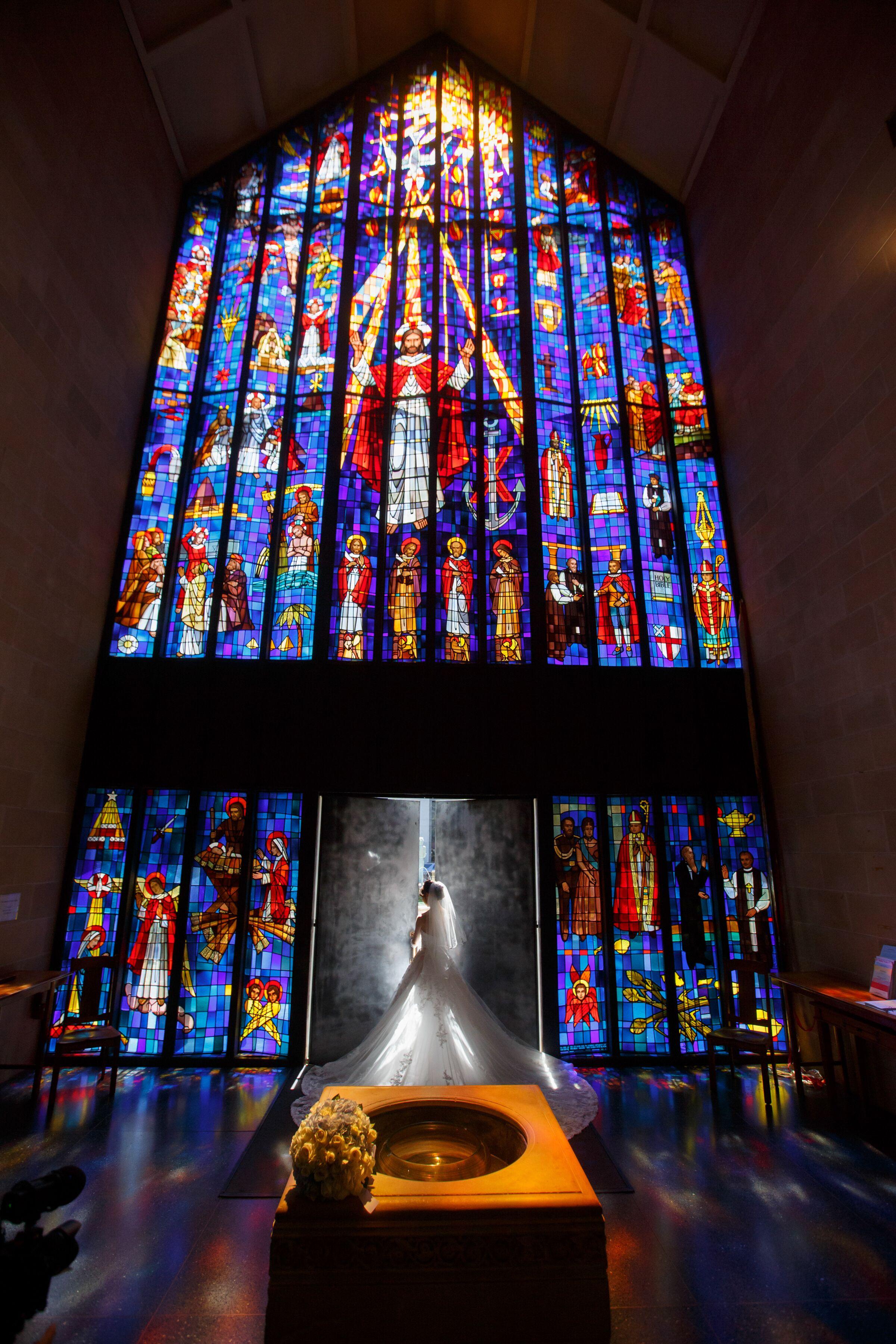 【ハワイ挙式】幻想的なステンドグラスが魅力的!セントアンドリュース大聖堂にて結婚式を挙げました♡♡_2