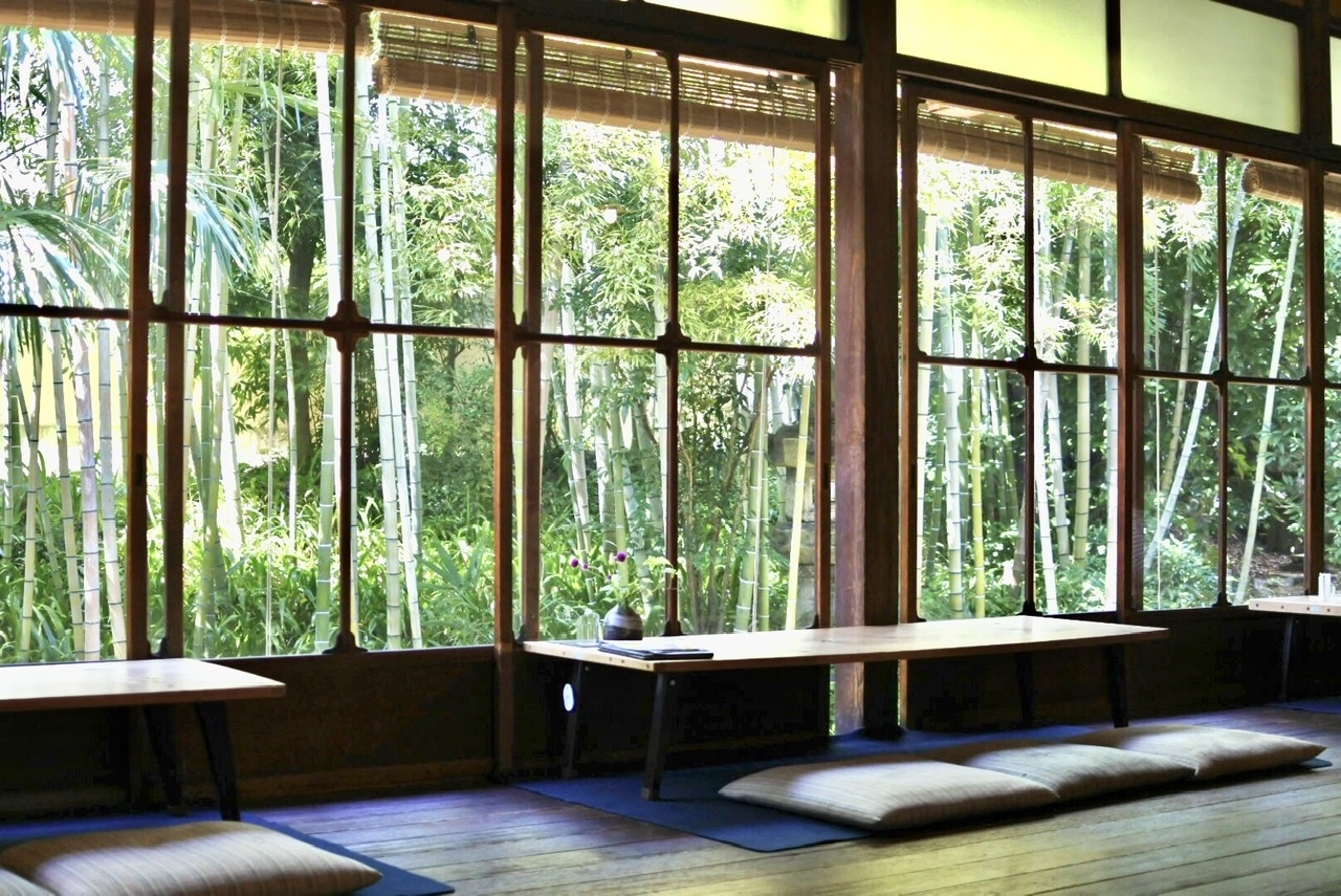 奈良の有名カフェみやけ旧鴻池邸表屋