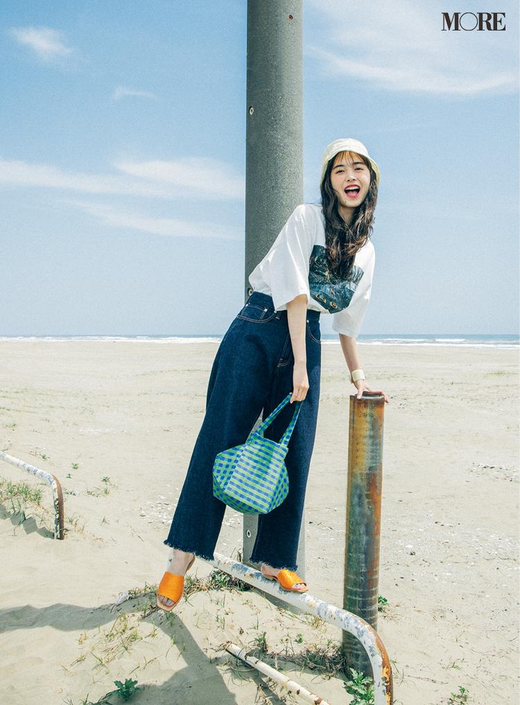 【井桁弘恵の夏コーデ】ビッグTシャツとデニムパンツのコーデ