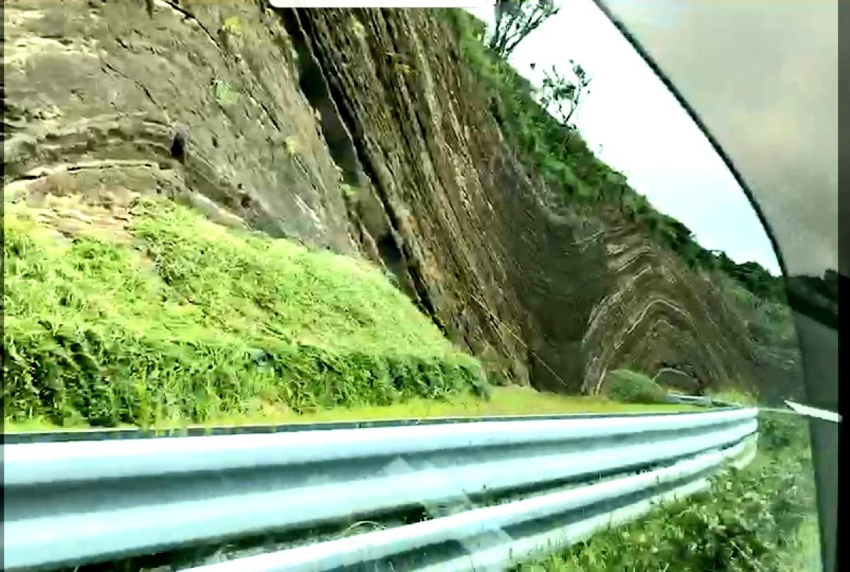 《まぐPRESENTS☆》都心から1時間45分!東京の離島「伊豆大島」で迫力の大自然旅☆_9