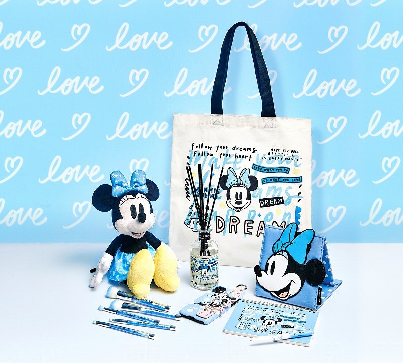 「Disney ARTIST COLLECTION by Kelly Park」の写真