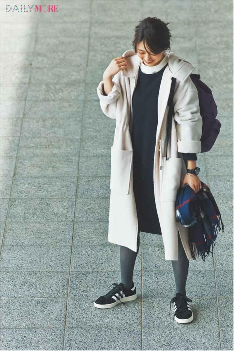 【今日のコーデ/逢沢りな】週末はモノトーンを可愛く着たいから。オフ白のフーデッドコートでスポーツMIX♪_1