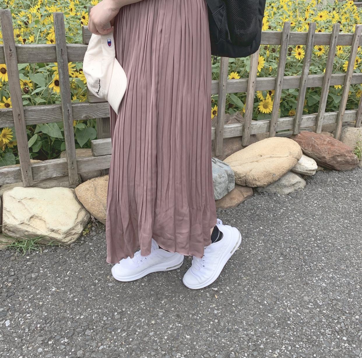 大人っぽいスニーカーコーデ特集《2019年版》 - 20代女子のきれいめカジュアルにおすすめのスニーカーは?_30