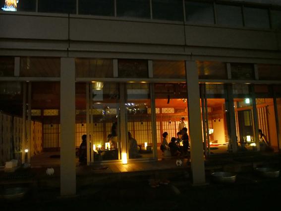 本日8/6から18日までの期間限定【SUZUMUSHI CAFE(スズムシカフェ)】で東京タワーを見ながら一杯どうぞ!_12