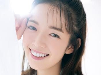 佐藤栞里×『カルテHD』♡ 笑顔あふれるハッピー肌な毎日