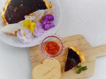 《happyおうちカフェ》バスクチーズケーキにスタンプクッキーで楽しくカフェ気分を
