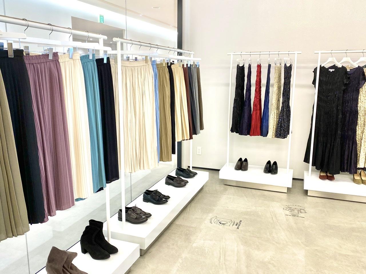 『ユニクロ』の洗えるプリーツが秋も大豊作♬︎ スカート、パンツ、ワンピース、全部着てみました!【1:きれい色編】_1