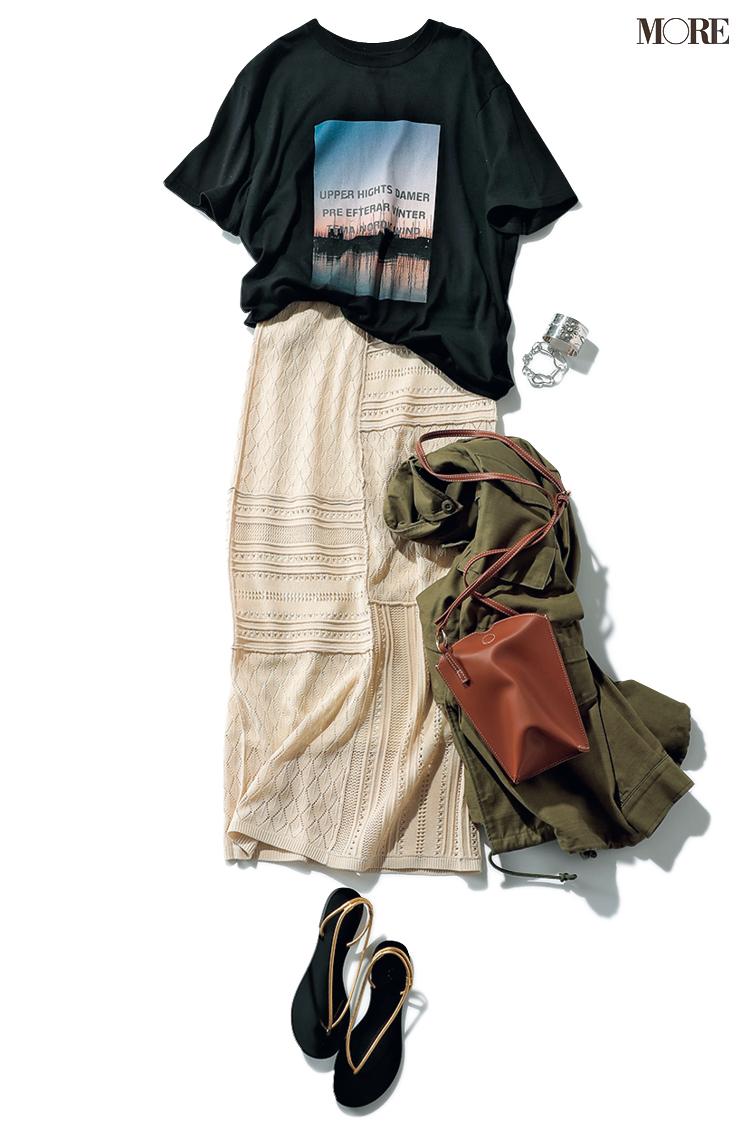 グラフィックTシャツにはクロシェ編みスカートを合わせる