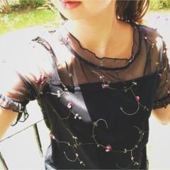 刺繍トップスが990円‼︎【しまむら】で見つけた『刺繍アイテム』が可愛いくて使えるっ♡