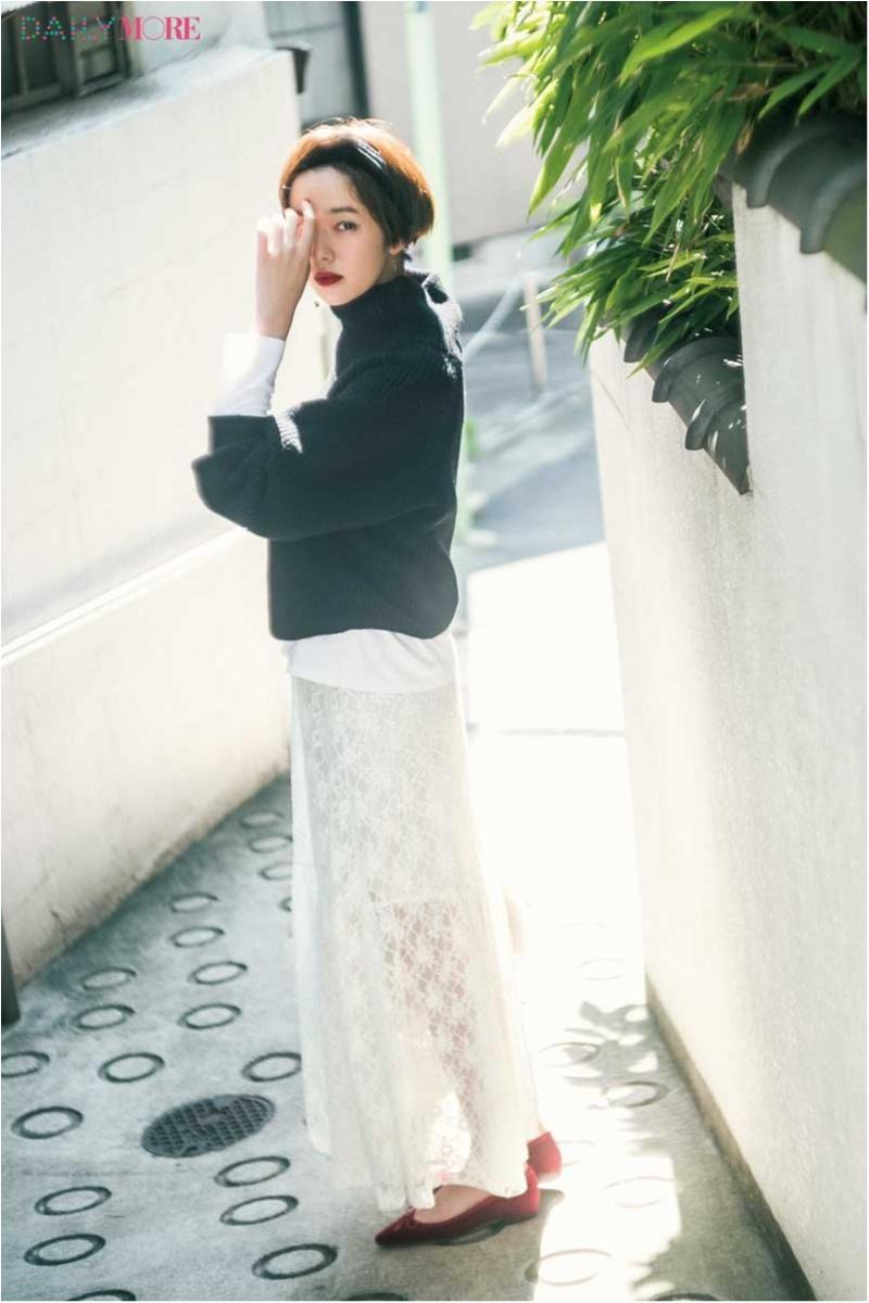 【今日のコーデ】お散歩デートはボリュームニット×白レーススカートで愛らしさもリラックス感も♡_1