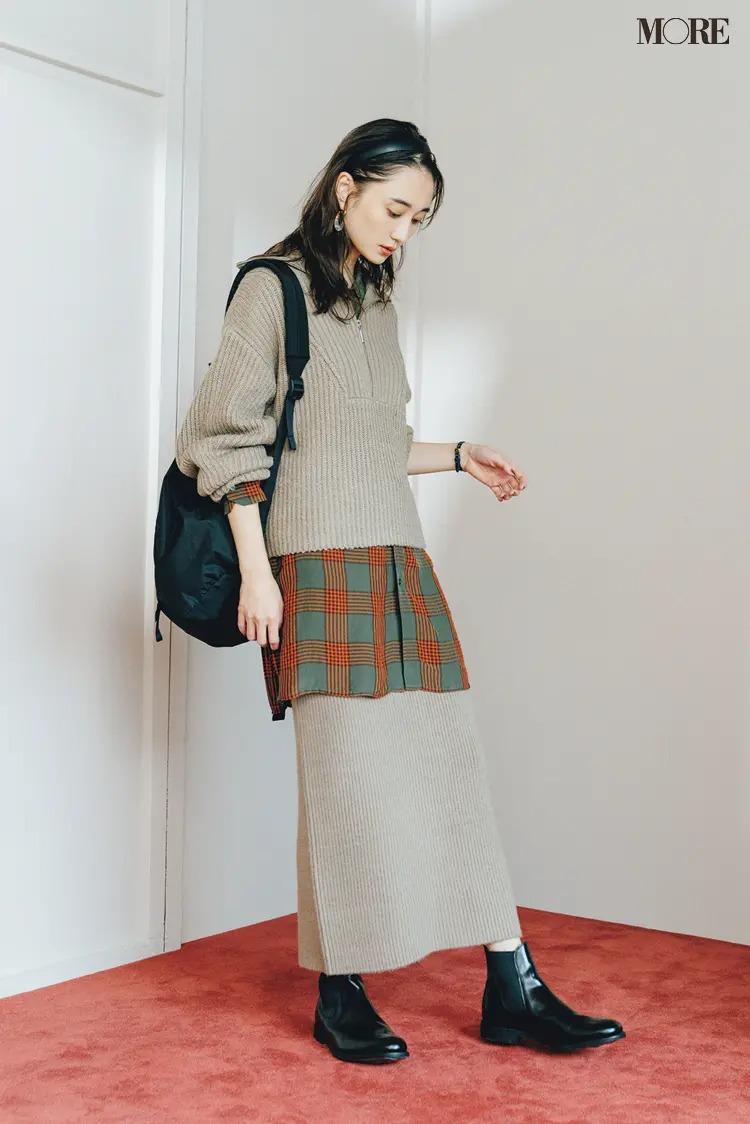 【2021ニットコーデ】ニットスカートのセットアップ×チェック柄シャツのコーデ