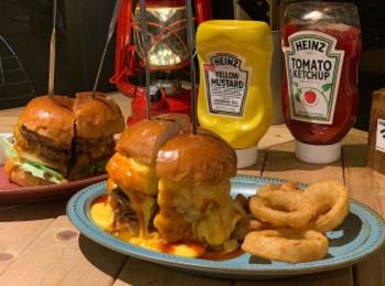 【原宿カフェ】溢れるチーズに悶絶…!脂肪燃焼&美容にも良い後悔させない絶品ハンバーガー♡