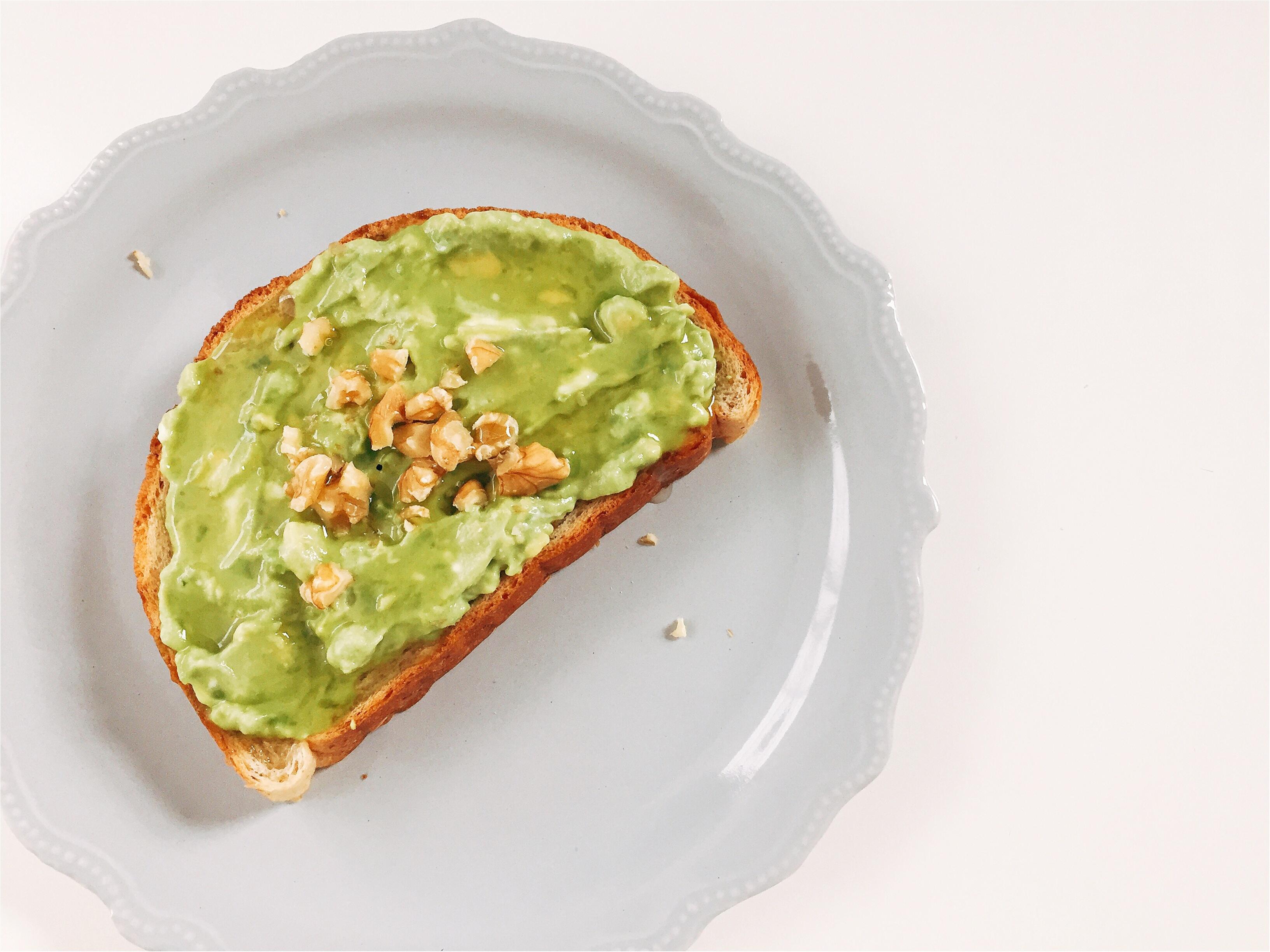 【おうちカフェ】2種類のアボカドトーストで朝ごパン!!_4