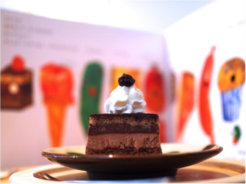 本から出てきた食べものたち?腹ペコあおむしのケーキたちが現実に。地方のブックカフェが熱いんです(412あみ)_7