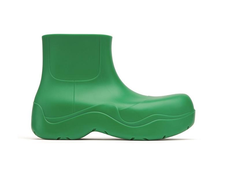 ボッテガ・ヴェネタ 表参道フラッグシップで先行発売するブーツ