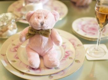 【名古屋】サーウィンストンホテル 幸せのピンクベア付きいちご&ローズアフタヌーンティー