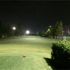 夏の夜にもビギナーにもピッタリ★ 涼しく回れるナイターゴルフをご紹介!【#モアチャレ ゴルフチャレンジ】