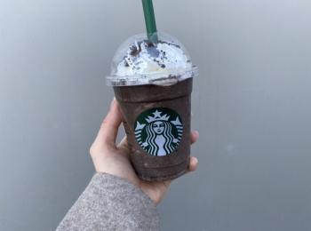 【スタバ新作】チョコ好き要チェック!チョコレート オン ザ チョコレート フラペチーノ