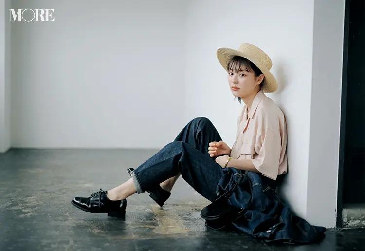 【帽子コーデ】麦わら帽子×甘いシャツ×デニム