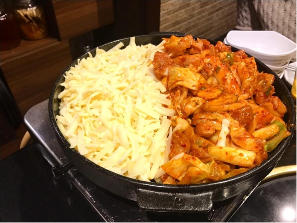 【 グルメ 】SNS 映え抜群 ★ とろ~っとろっのチーズが魅力 ! 話題沸騰中の『チーズタッカルビ』を食べに行こう ♪_4