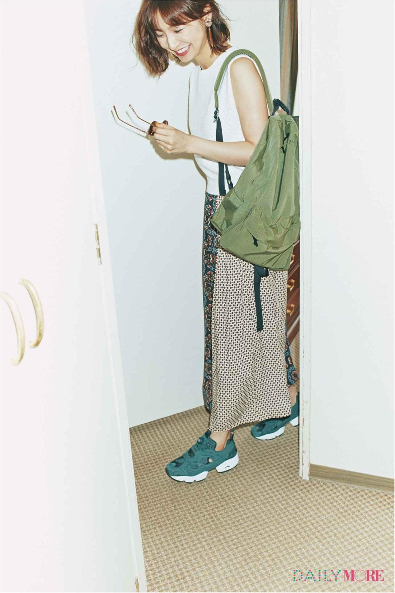 【今日のコーデ/篠田麻里子】柄スカートとスポーティな小物でテンション上げて、連休初日は野外イベントへ♪_1